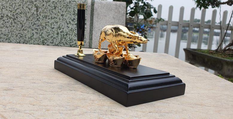 Tượng trâu phong thủy mạ vàng